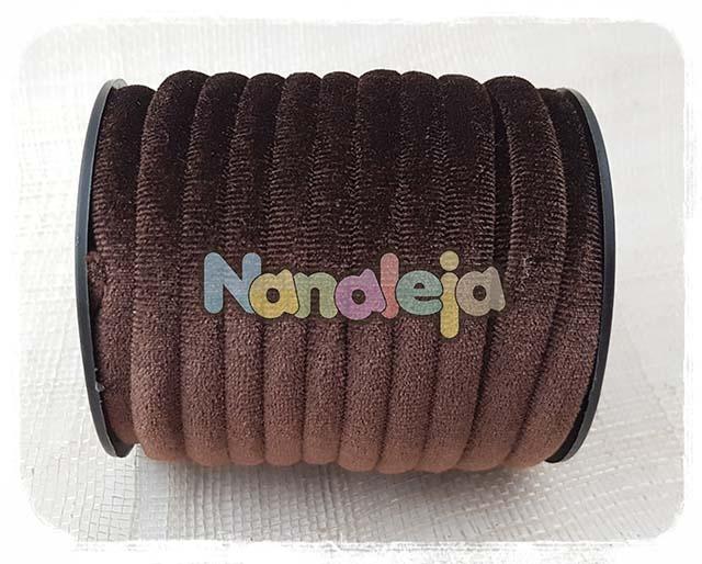 Cordón de terciopelo redondo marrón (precio por metro)